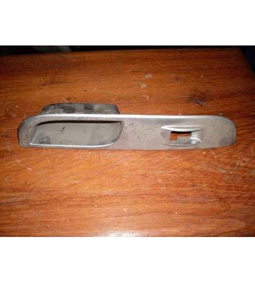 Acabamento Botão Vidro Traseiro L.d. L-200 Triton 2009