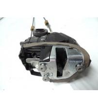 Fechadura Porta Traseira Lado Direito Toyota Rav4 2014
